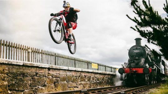 Danny MacAskill unterwegs in Schottland